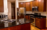 ¿Cómo limpiar el microondas de acero inoxidable de tu cocina?